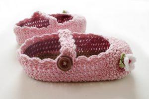 box frame crochet shoes